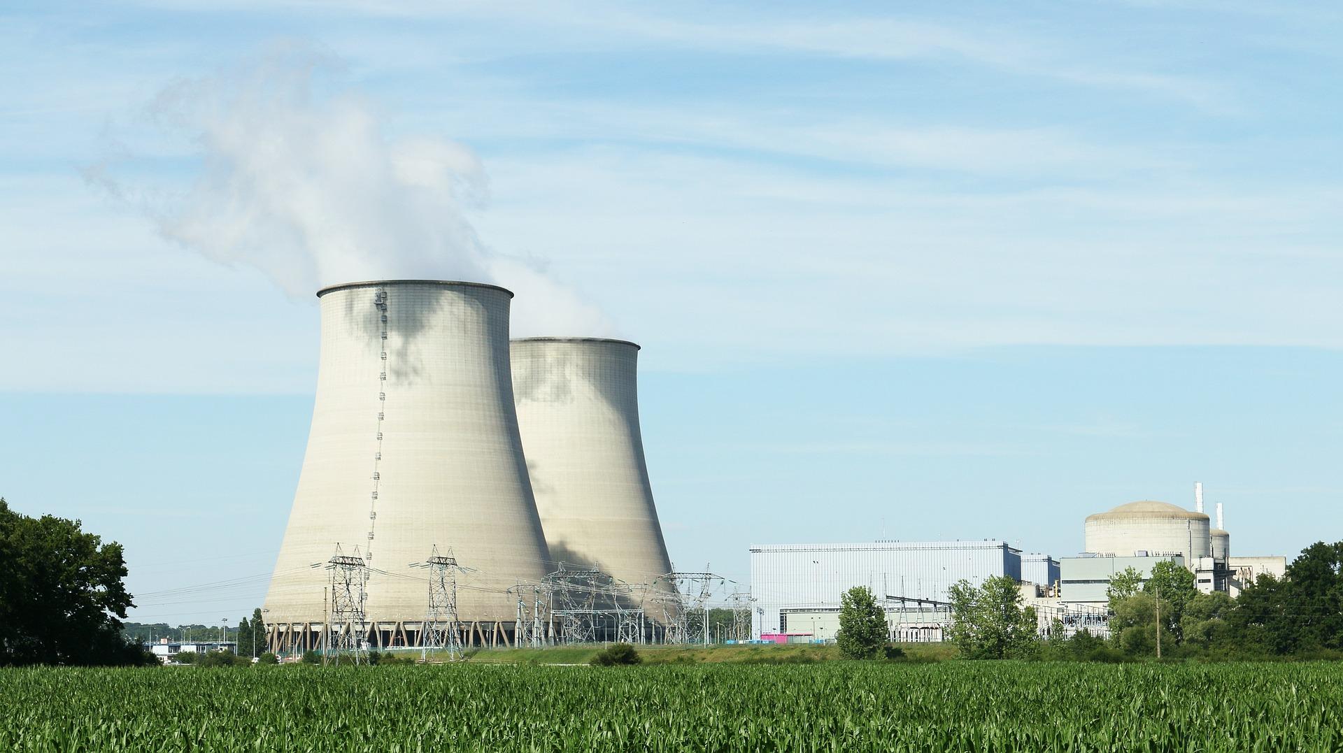 grand projet d'installation de chemin de câbles et support pour centrale nucléaires et bâtiments